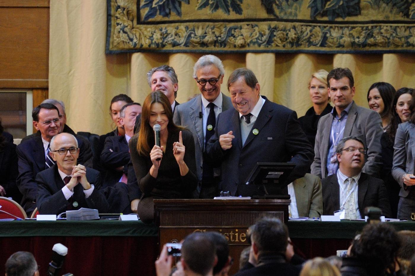 Carla Bruni-Sarkozy alla 152° Wine Charity04