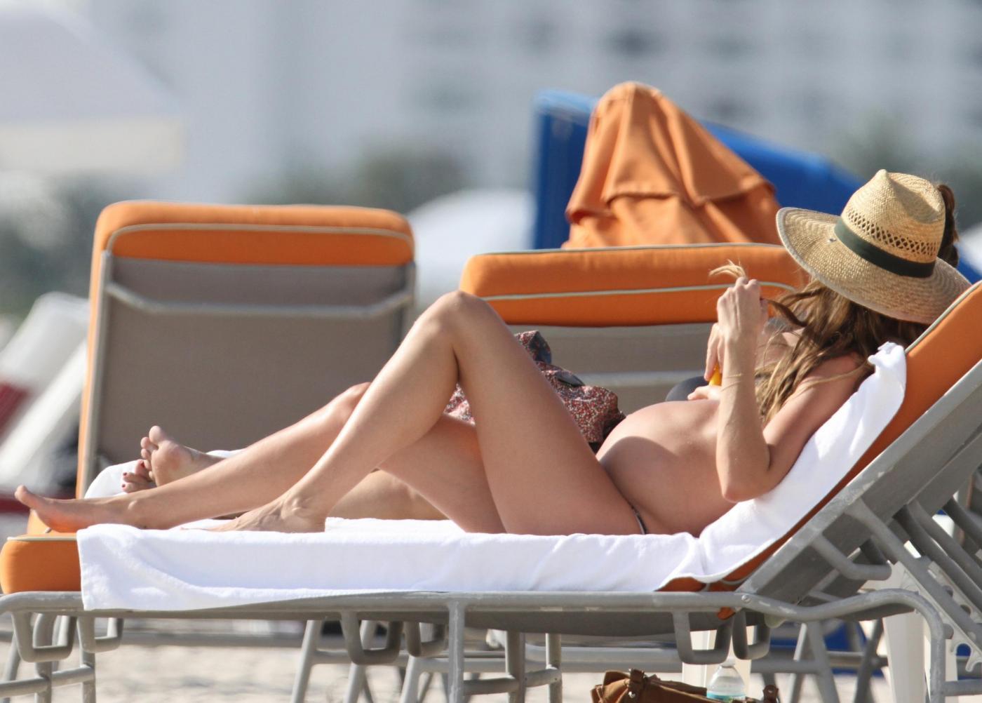 Gisele Bundchen incinta in relax a Miami05