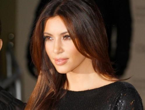 Kim e Kourtney Kardashian presentano la loro linea di moda a Londra08