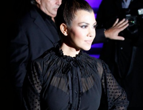 Kim e Kourtney Kardashian presentano la loro linea di moda a Londra07