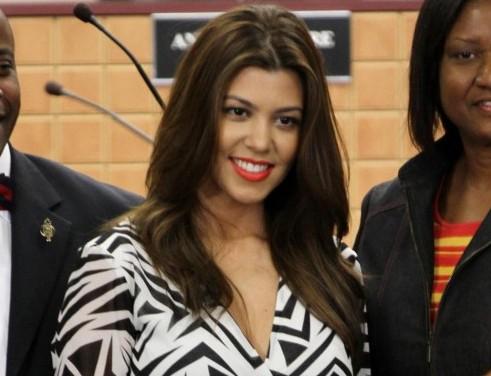 Kim e Kourtney Kardashian ricevono le chiavi di Miami03