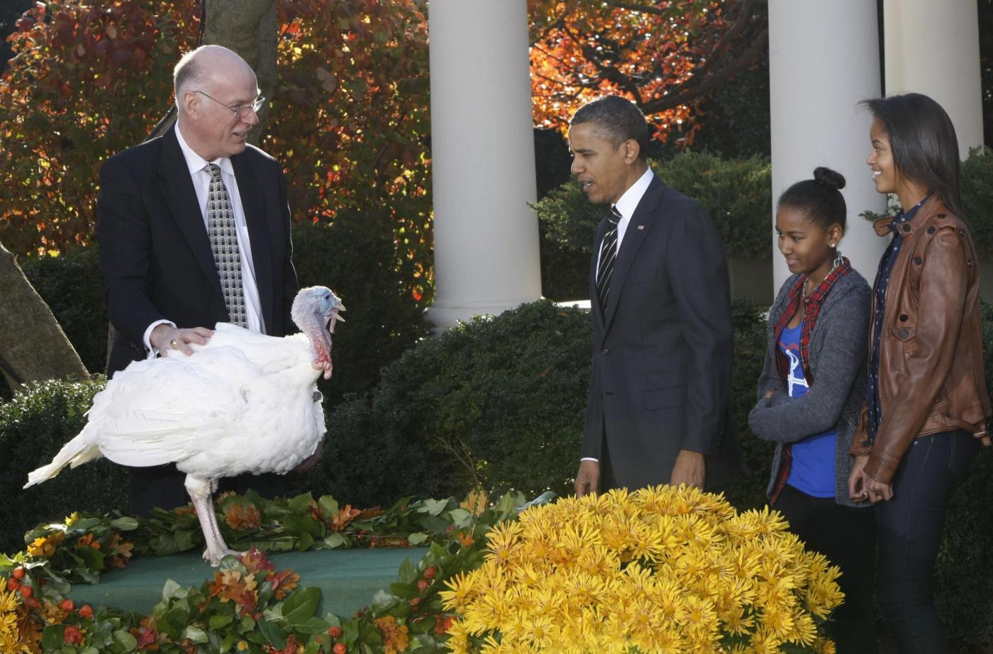 Obama e le figlie cerimonia per il thanksgiving day02