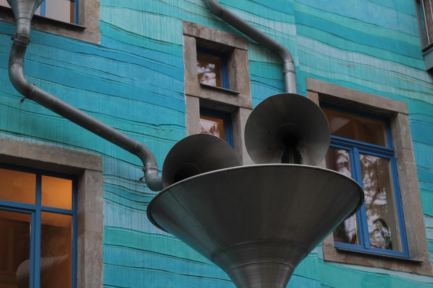 Berlino, la casa che suona con la pioggia01
