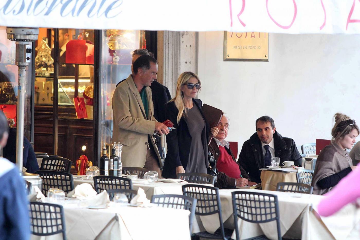Roma, Paola Ferrari con amico04