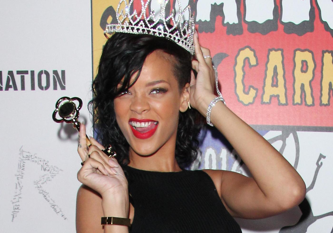 Rihanna incoronata regina di Halloween 02