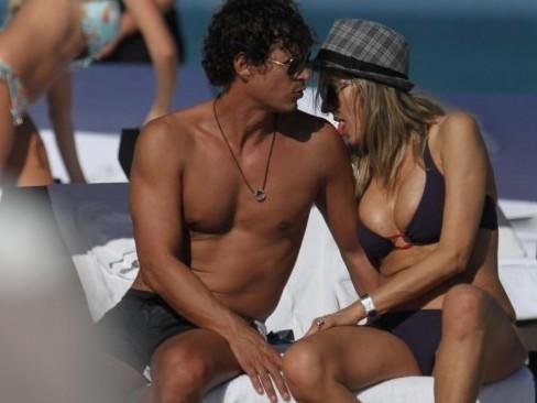 Rita Rusic e il fidanzato sulle spiagge di Miami05