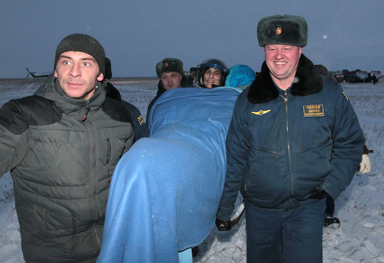 Landing of Soyuz 005