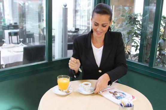 Samantha De Grenet con il suo libro ''Adesso parlo io''01