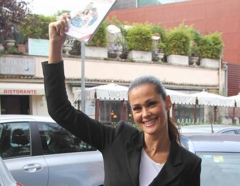 Samantha De Grenet con il suo libro ''Adesso parlo io'' 08