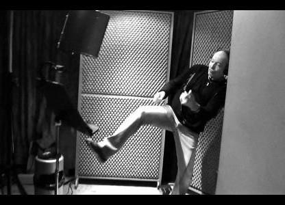 Vasco Rossi, foto facebook mentre è in sala registrazione
