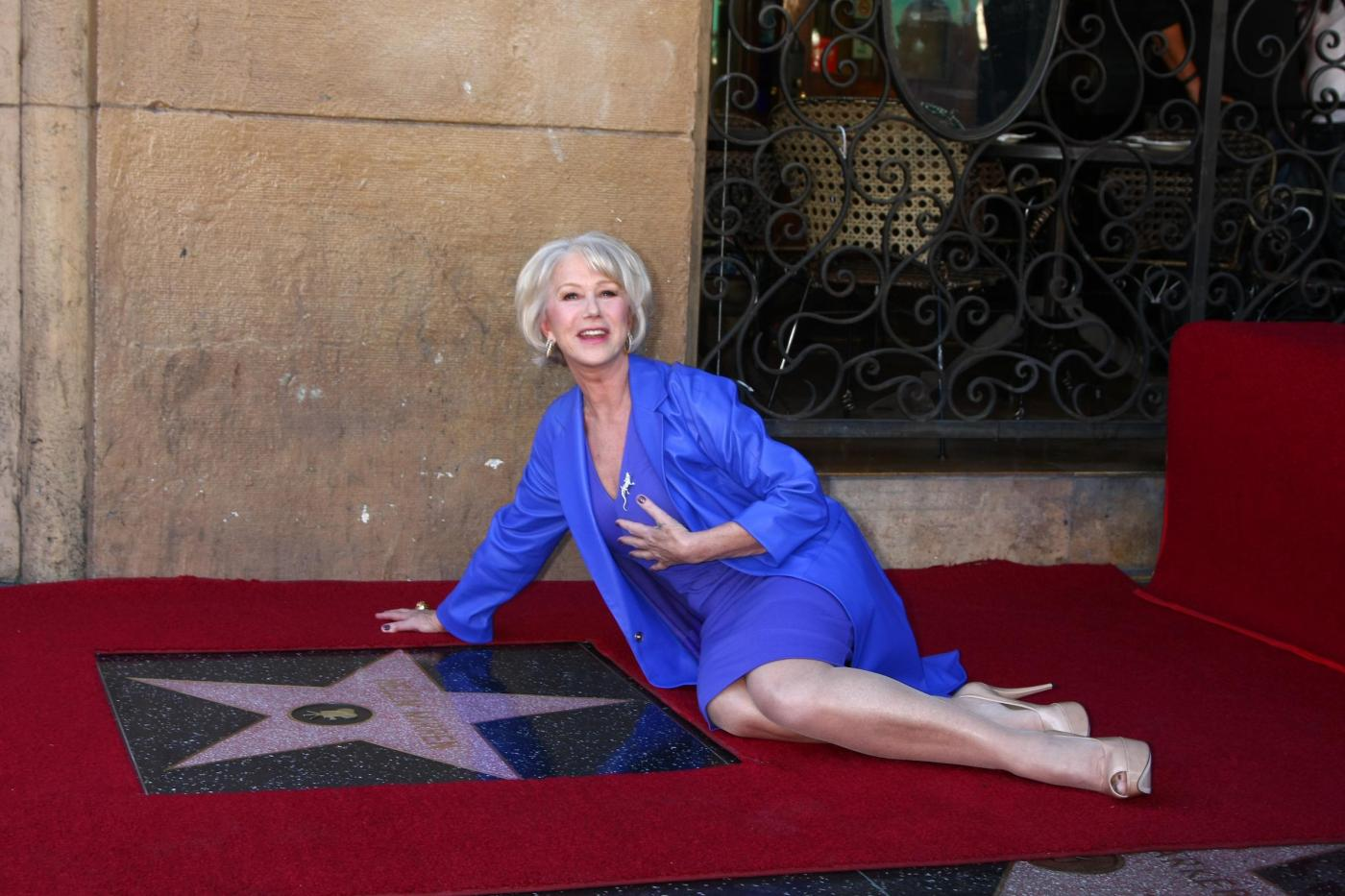 Helen Mirren onorata sulla Walk of Fame02