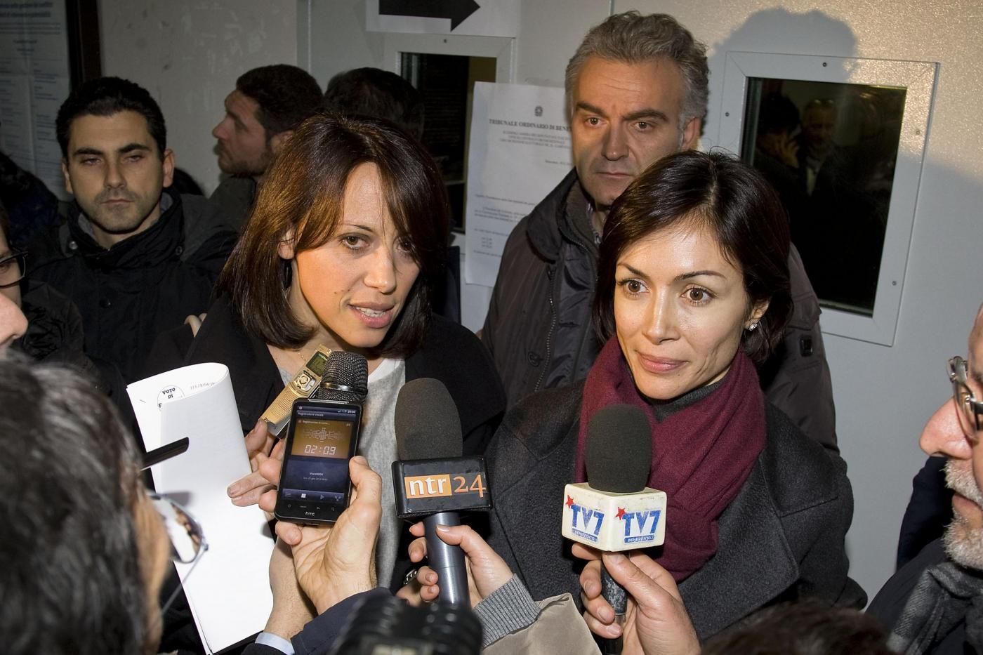 De Girolamo e Carfagna in Tribunale a Benevento per lista Pdl 02
