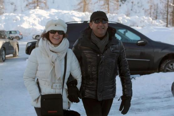 Carlo Conti con la moglie Francesca Vaccaro a Courmayeur01