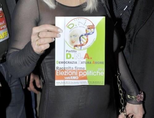 Presentazione nuovo partito D.N.A di Ilona Staller05
