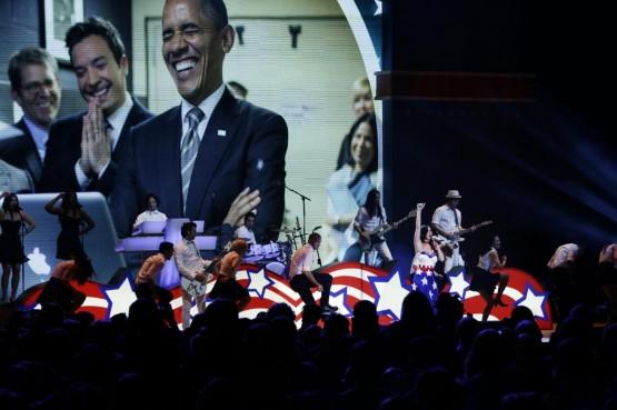 Katy Perry canta per Obama con l'abito a stelle e strisce 06