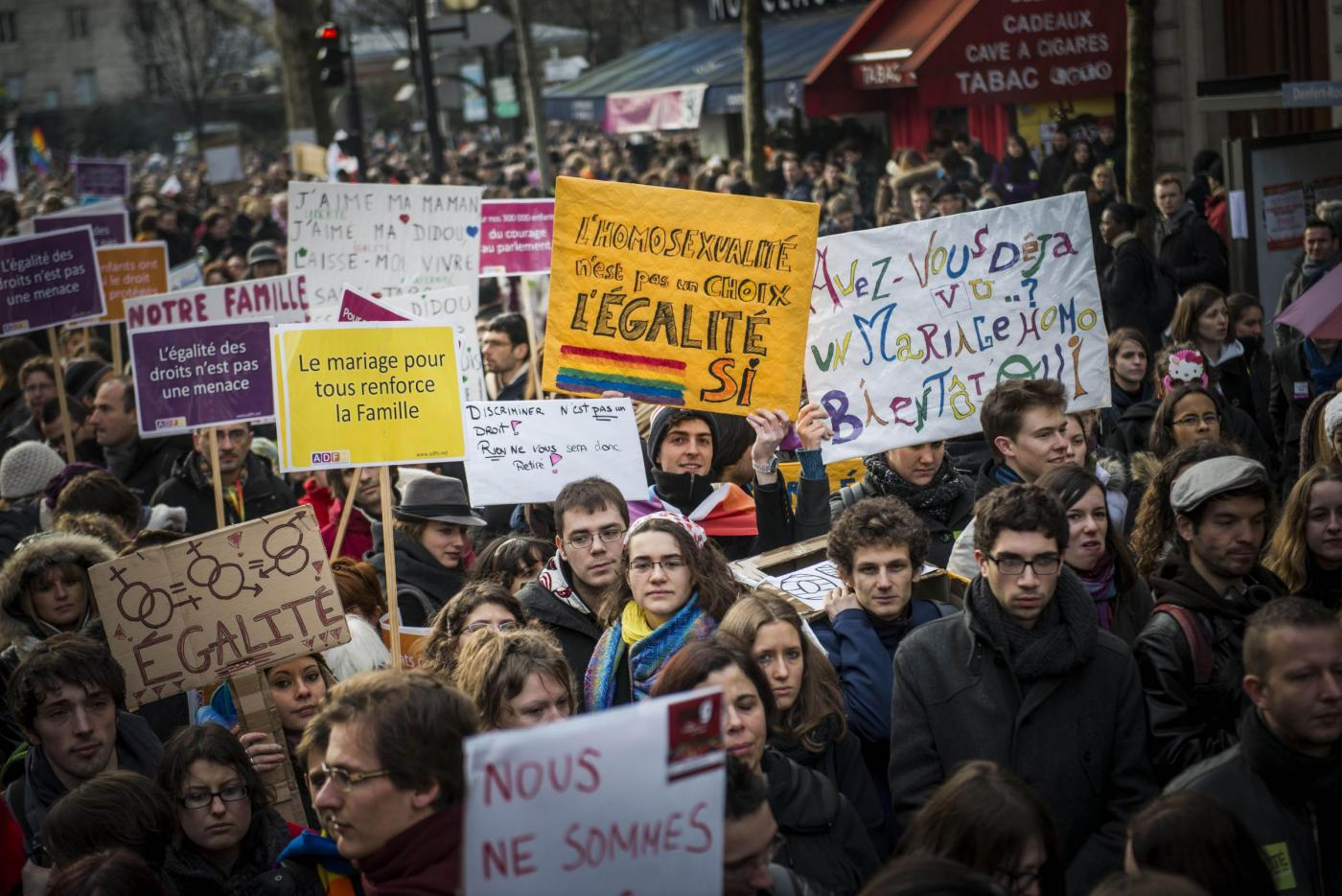 Parigi, manifestazione a favore dei matrimoni gay04