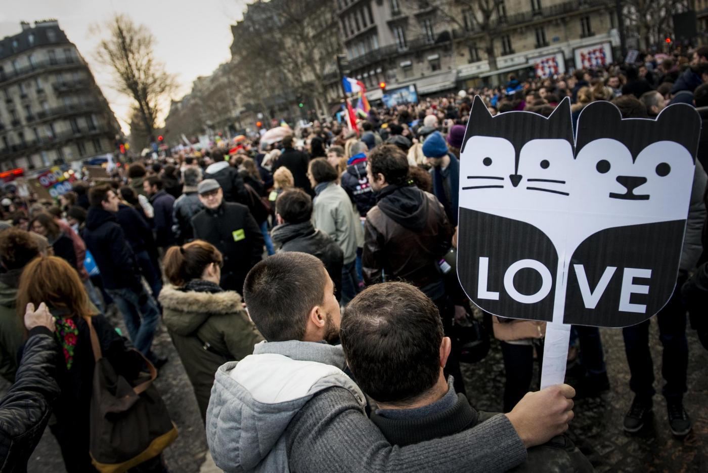 Parigi, manifestazione a favore dei matrimoni gay02