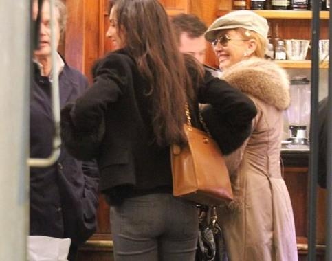 Roma, Milly Carlucci con il marito e la figlia05