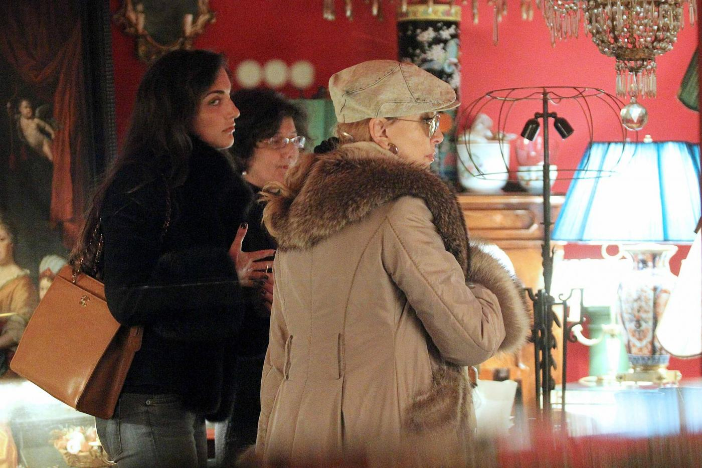 Roma, Milly Carlucci con il marito e la figlia02