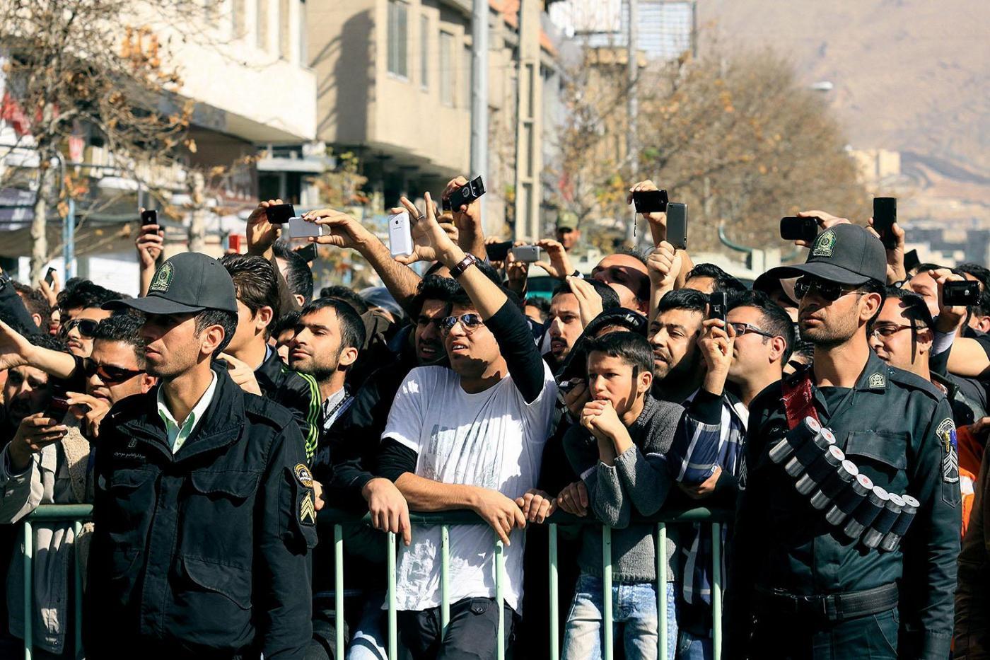 Iran, amputazione pubblica delle dita per un ladro04