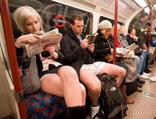 Пристал в метро онлайн