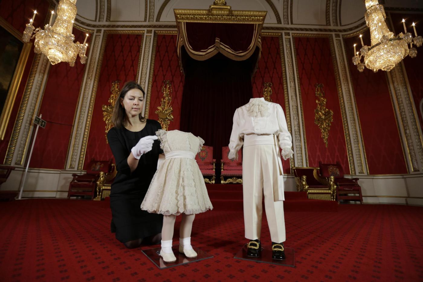 Gli abiti del principe Carlo a 4 anni02