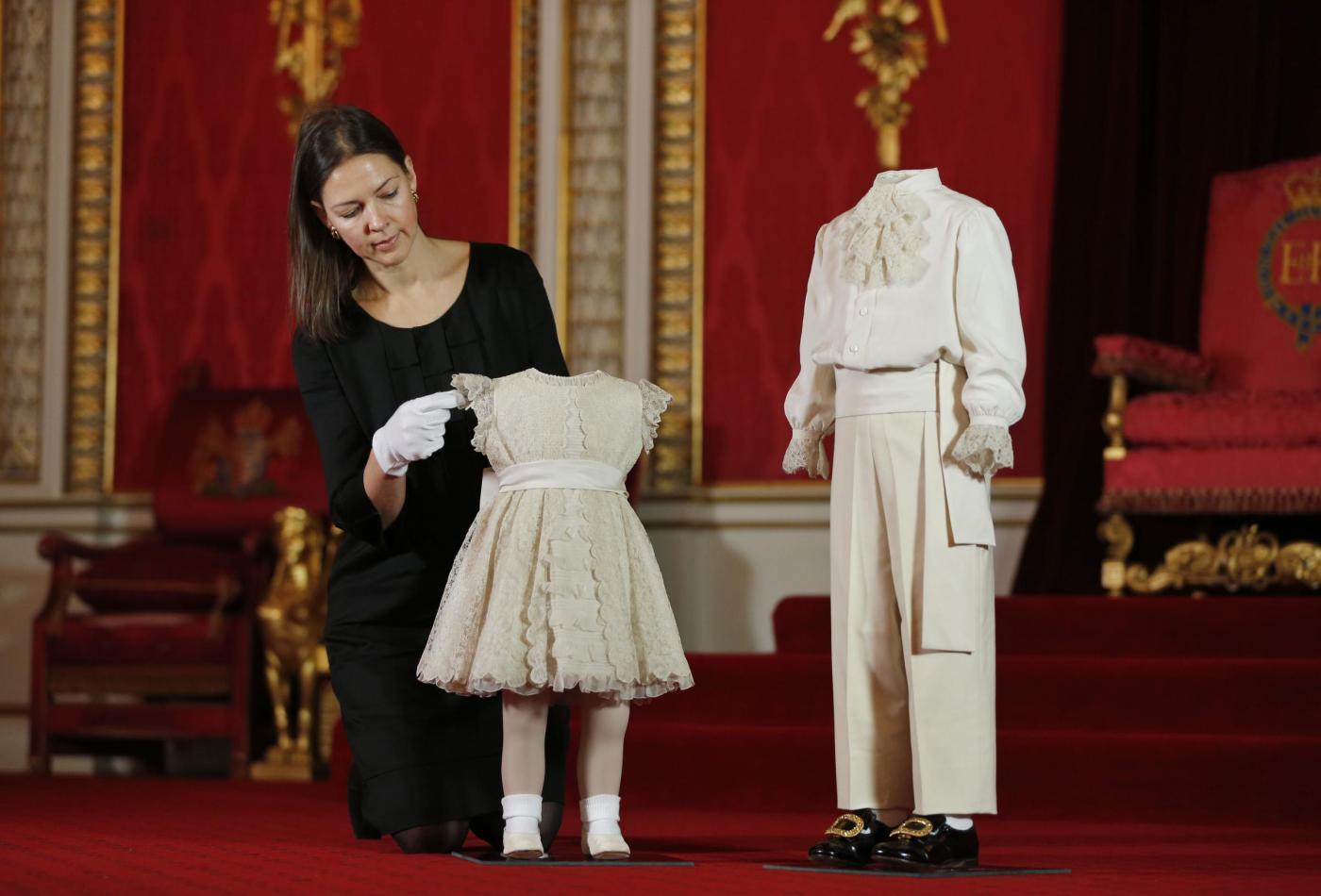Gli abiti del principe Carlo a 4 anni03