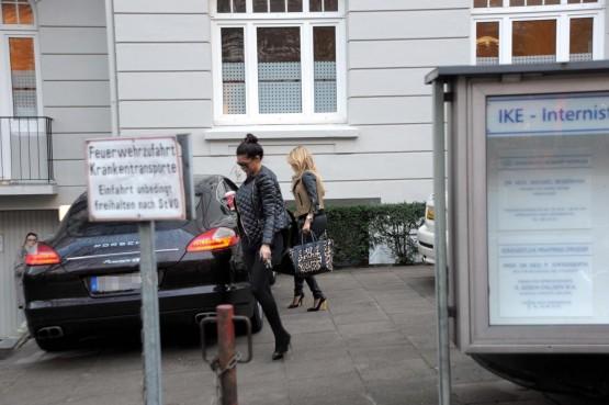 Amburgo, Sylvie Van der Vaart a passeggio03