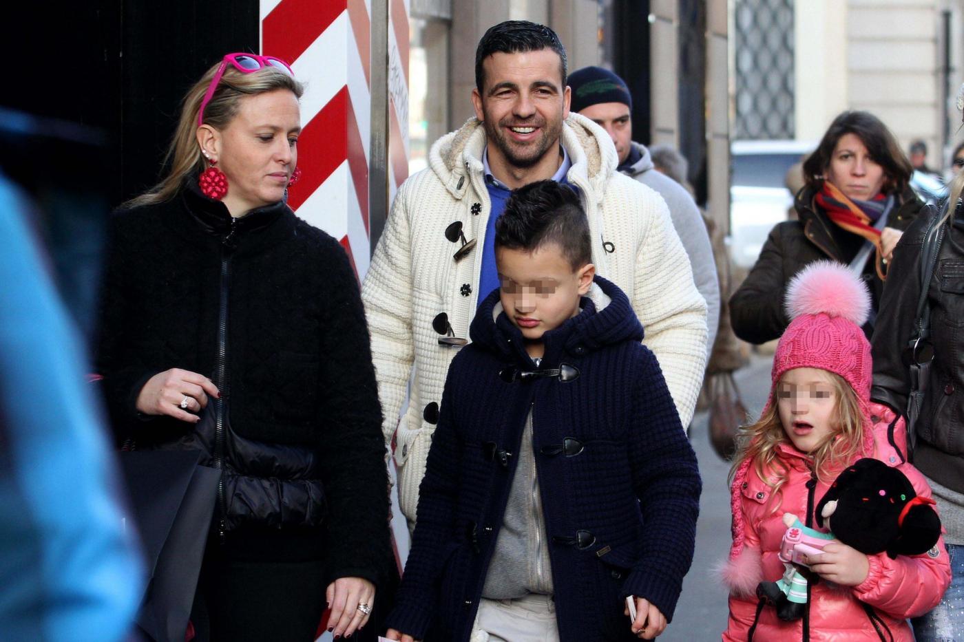 Antonio Di Natale Ilenia Betti.Antonio Di Natale Con La Moglie Ilenia Betti E I Figli01