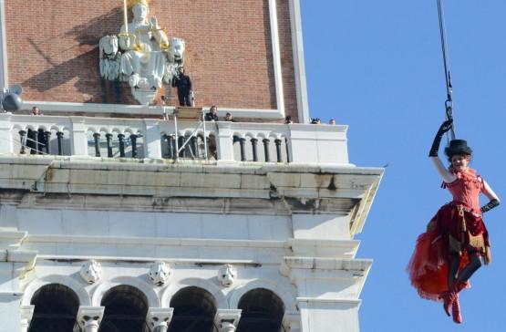 Carnevale a Venezia in piazza San Marco per il 'Volo dell'Angelo'03