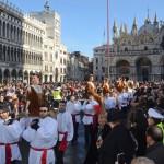 Carnevale a Venezia in piazza San Marco per il 'Volo dell'Angelo'01