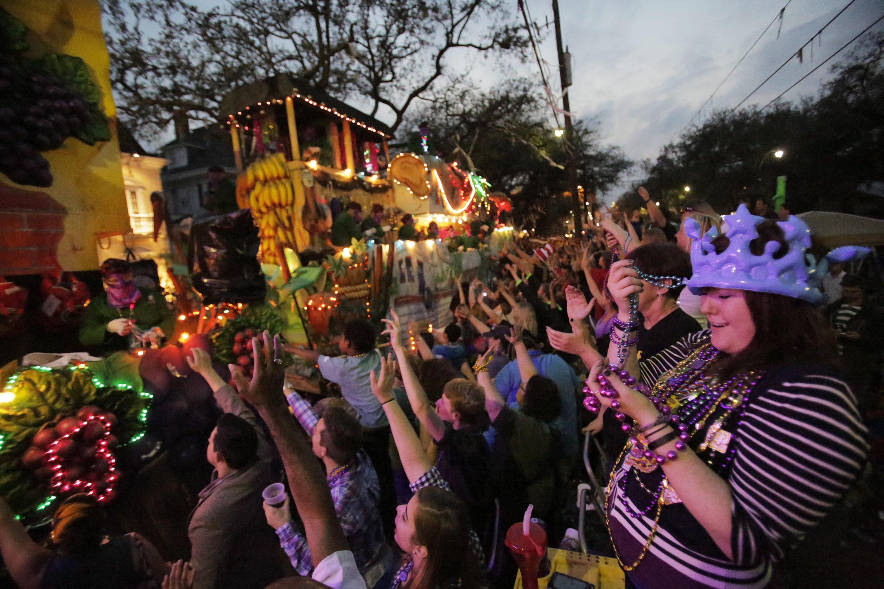 """New Orleans, sparatoria non ferma il """"Mardi gras"""" di Carnevale04"""