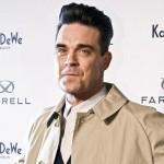 """Robbie Williams lancia """"Farrell"""", la sua linea di moda maschile03"""