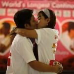 San Valentino, il bacio più lungo: nove coppie si sfidano in Thailandia02