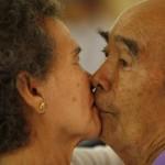 San Valentino, il bacio più lungo: nove coppie si sfidano in Thailandia01
