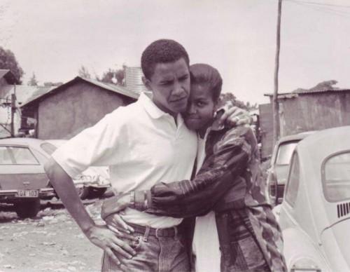 Obama pubblica su Twitter foto con Michelle da giovani