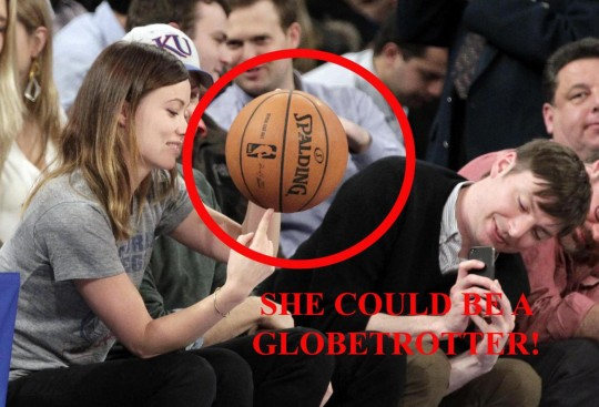 Olivia Wilde globetrotter alla partita di basket 03