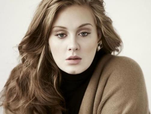 """Adele, la confessione: """"Ho sofferto di depressione post partum"""""""