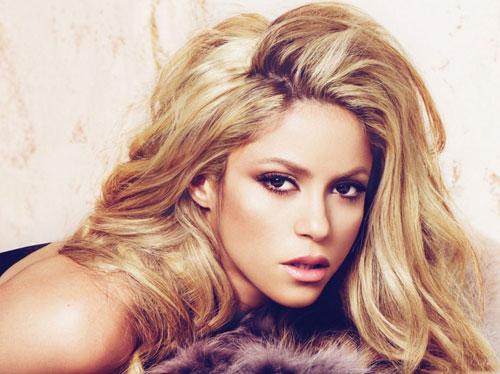 """Shakira torna con un nuovo singolo: """"Chantaje"""""""