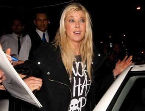 Tara Reid ubriaca lascia il ristorante Lin a West Hollywood dopo aver cenato04