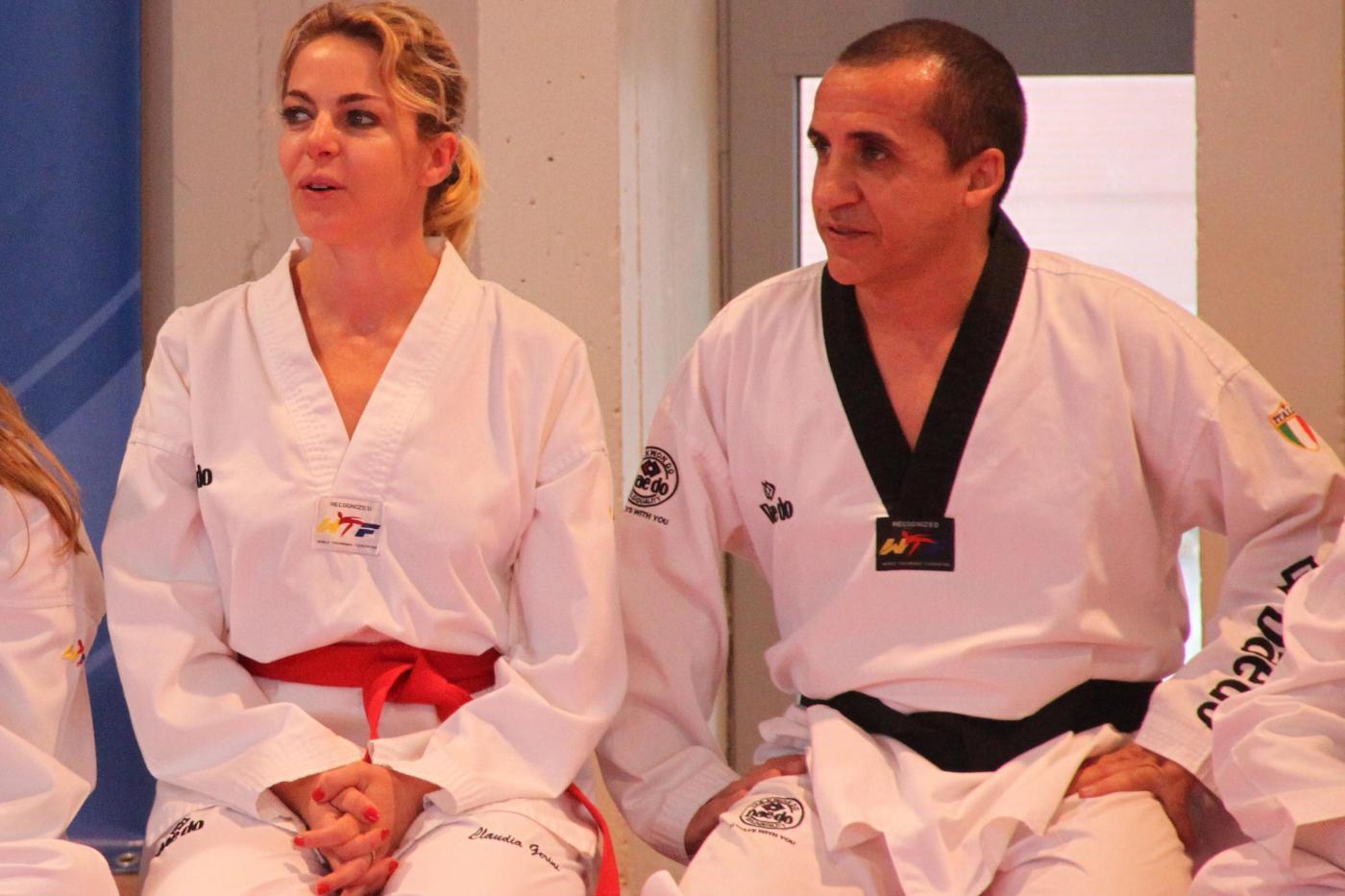 Claudia Gerini cintura nera di Taekwondo05