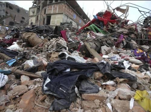 Bangladesh crollo fabbrica