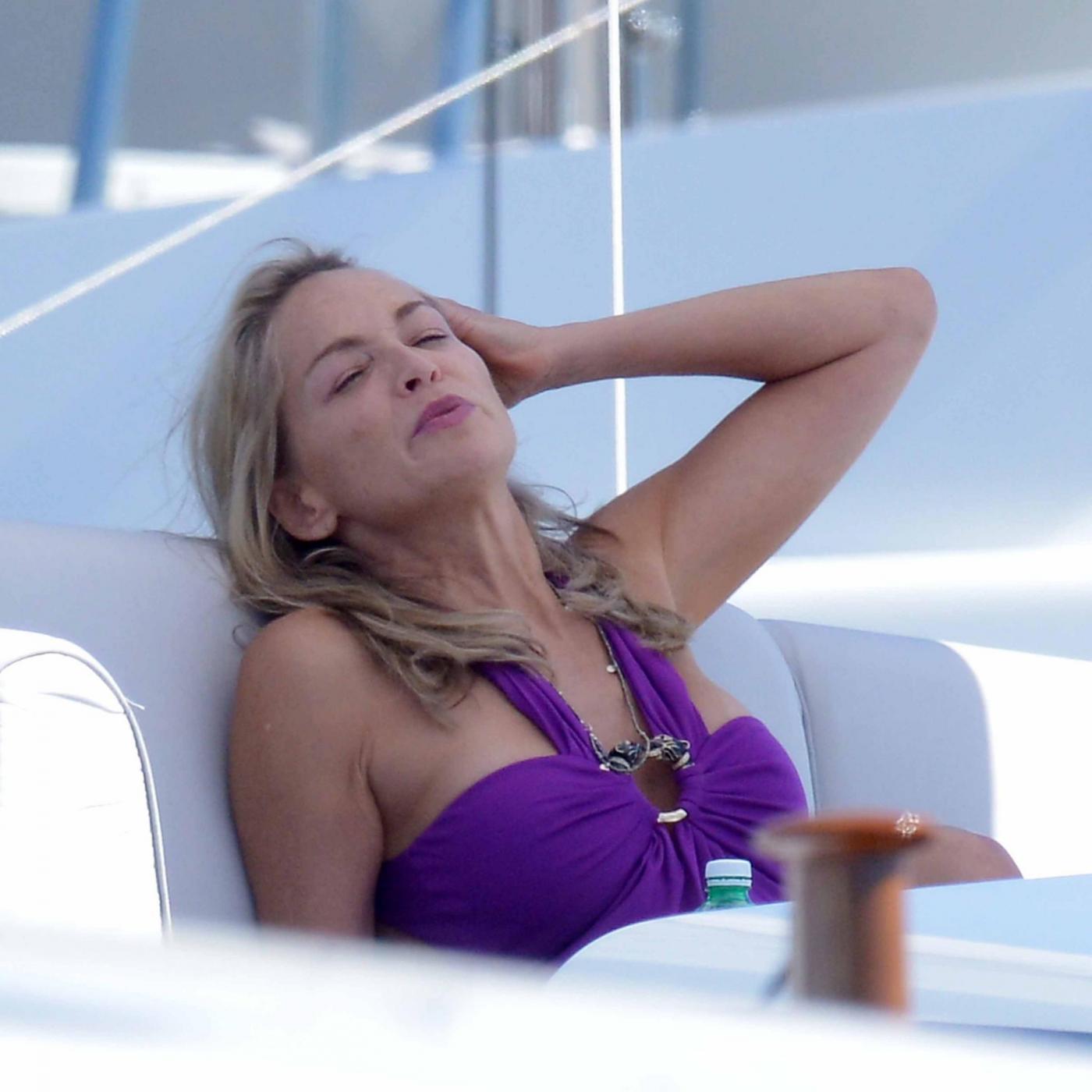 Sharon Stone sulla Croisette04