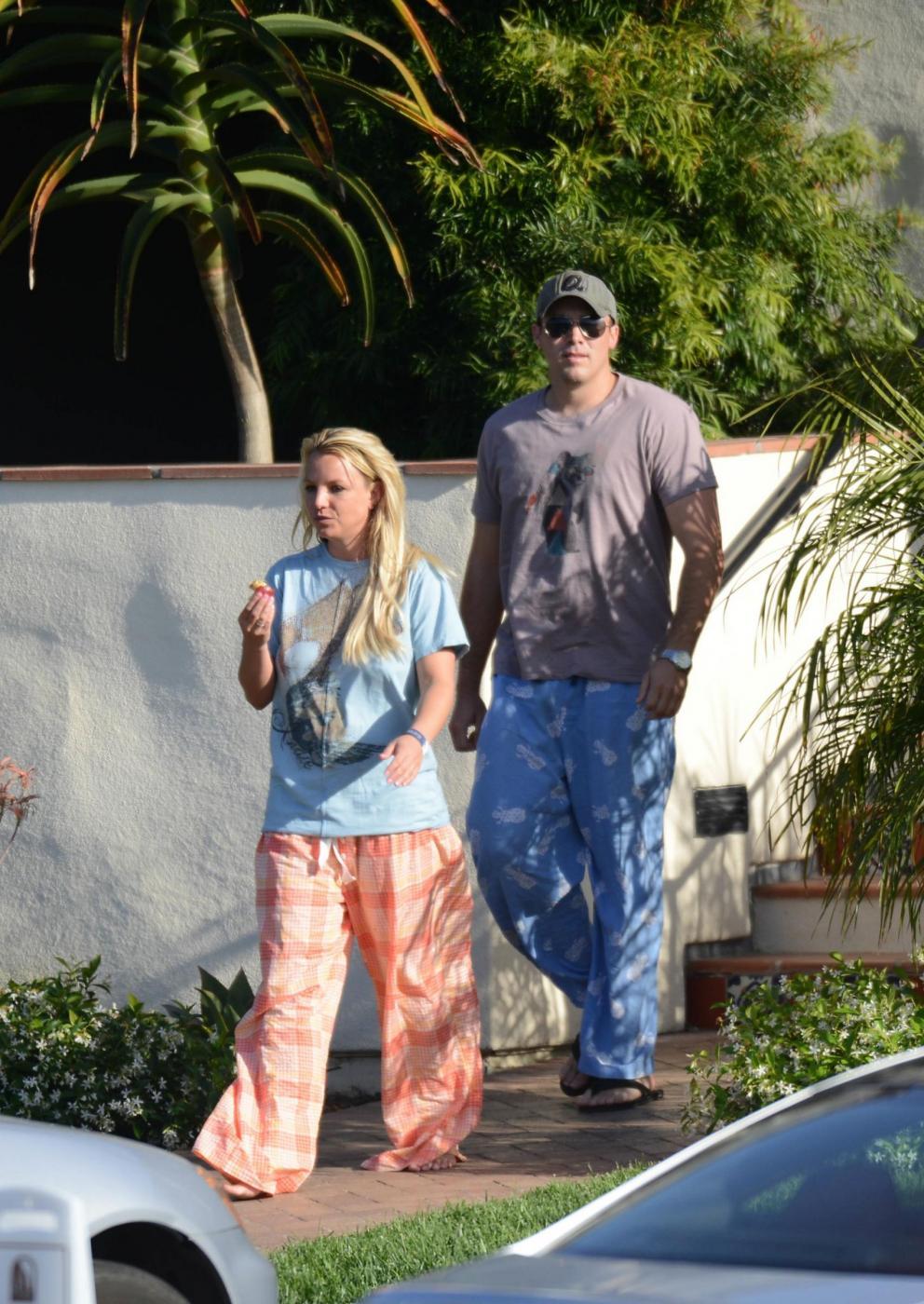 Britney Spears in vacanza con il fidanzato David Lucado04