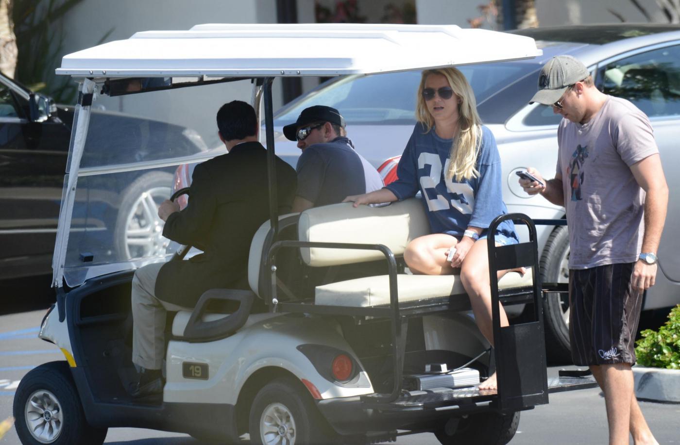 Britney Spears in vacanza con il fidanzato David Lucado06