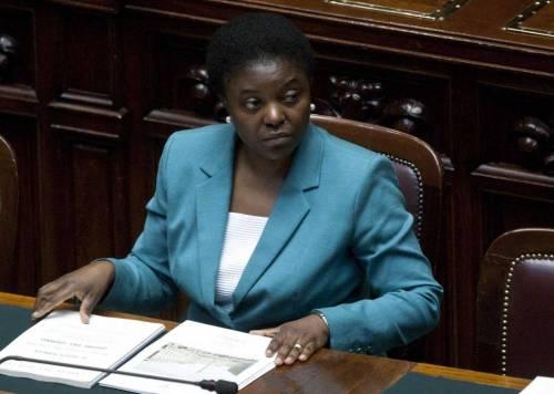 """Cécile Kyenge attacca Roberto Calderoli: """"Lasci il posto a chi é capace"""""""