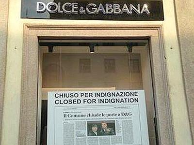 """Dolce & Gabbana, negozi """"chiusi per indignazione"""" a Milano"""