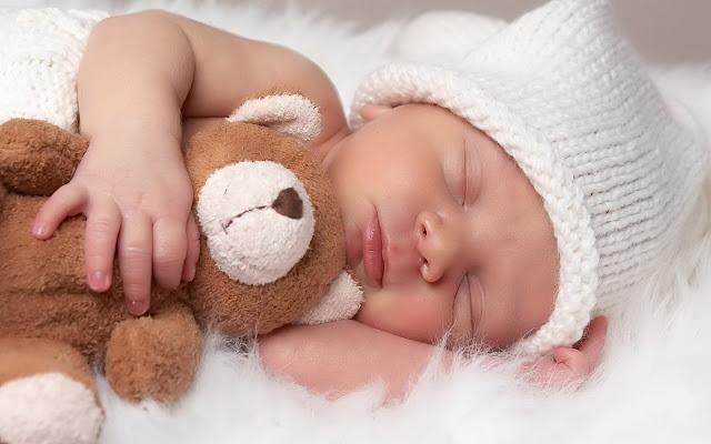 Neonati di genitori divorziati, meglio dormire sempre in una casa