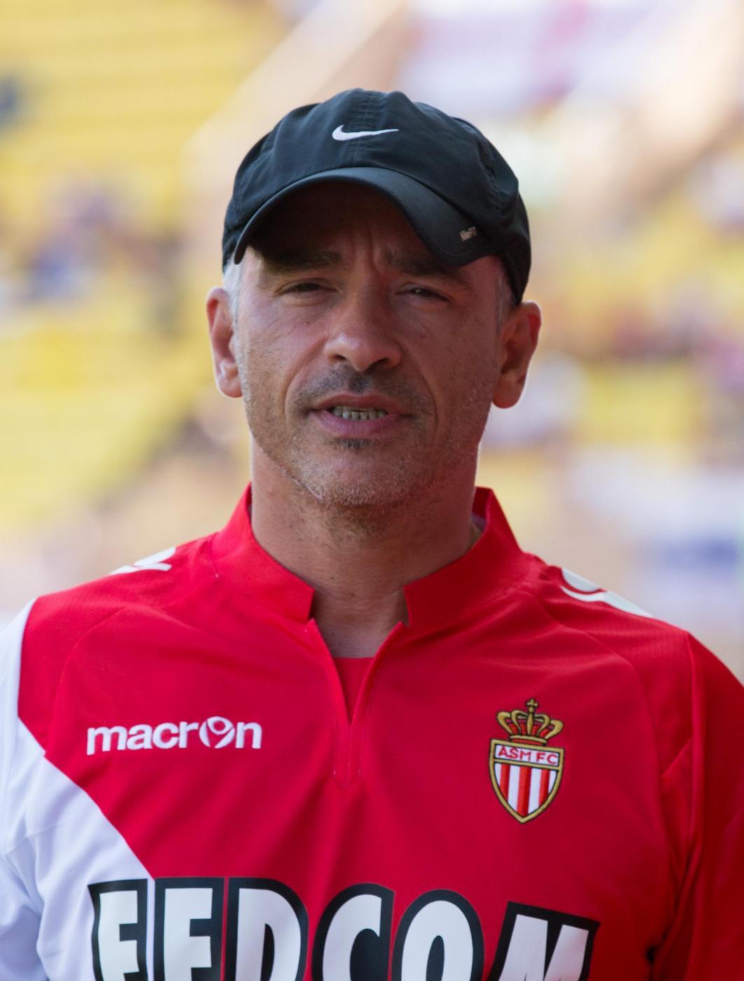 Eros Ramazzotti in campo nell'amichevole Monaco Tottenham Hospur04