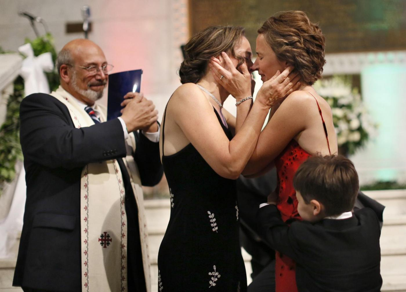 Primo Matrimonio Gay Toscana : Margaret e cathy spose primo matrimonio gay in minnesota